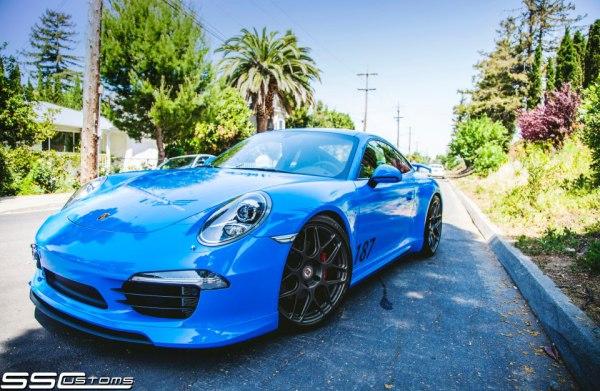 Avery Gloss intense blue