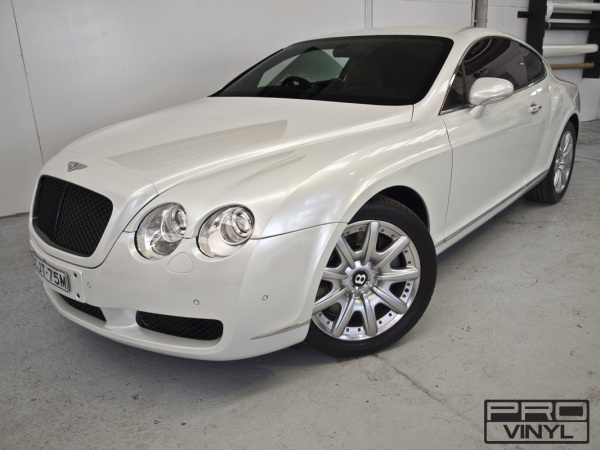 Gloss white pearlescent car wrap colour