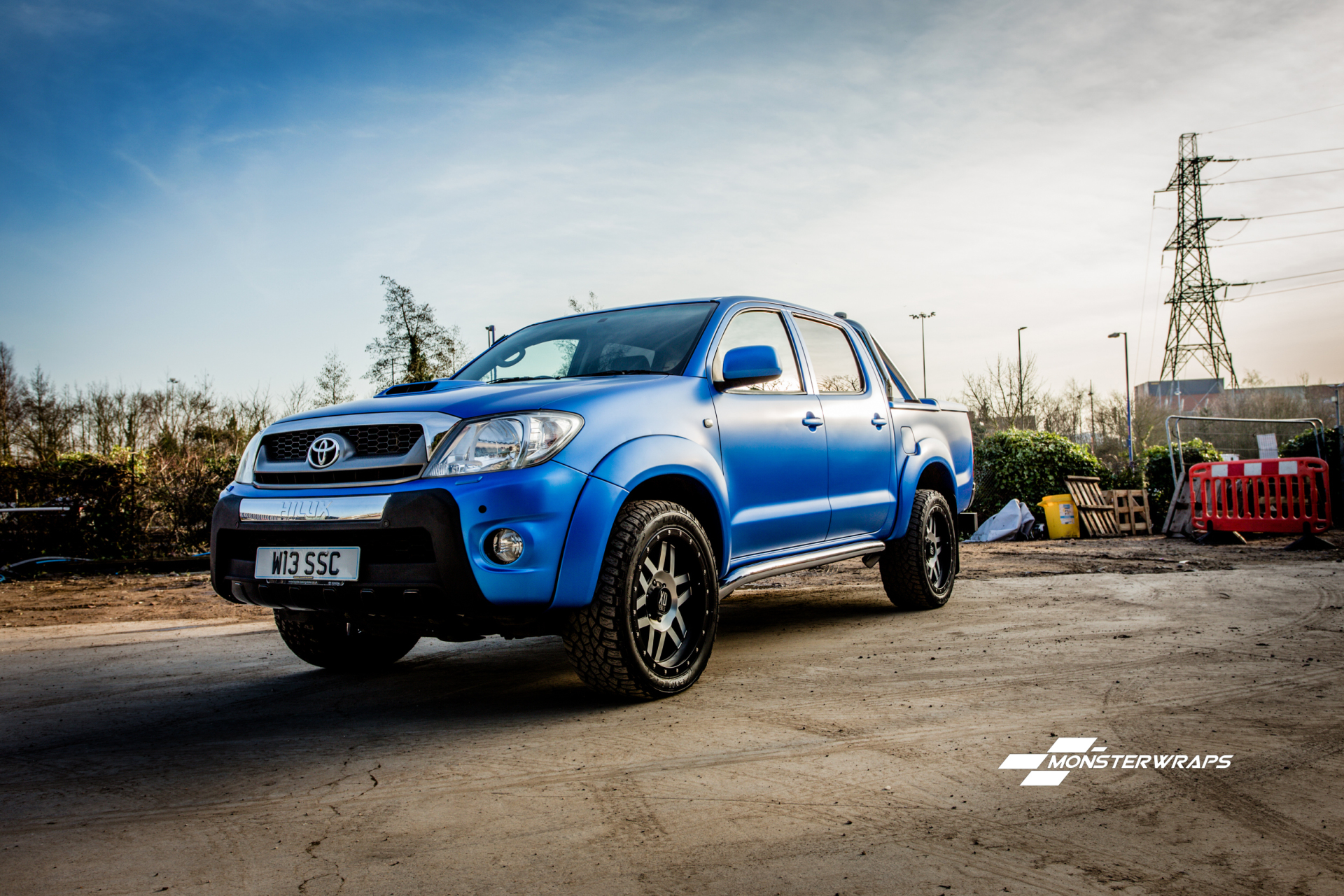Toyota Hilux Satin Perfect Blue full wrap