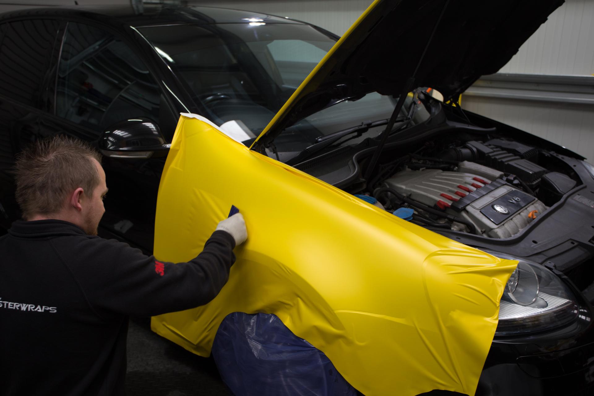 VW Golf R32 mk5 yellow camo wrap