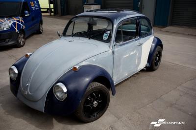 VW Beetle classic 1972 black rose wrap