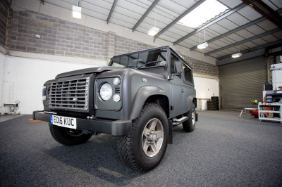 Defender 90 3M Matte black wrap