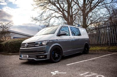 VW T6 Two tone white grey wrap