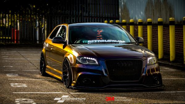 Audi A3 - 3M Gloss Deep Space car wrap