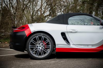 Porsche 911 RSR style wrap