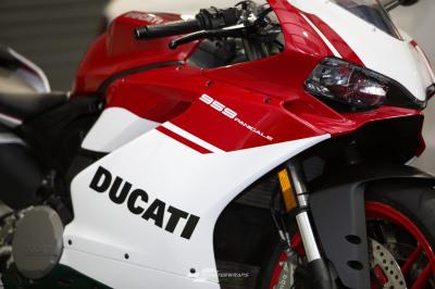 Ducati 989 Tricolore Panigale R wrap