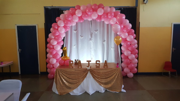 Balloon Arch with cake table!!!