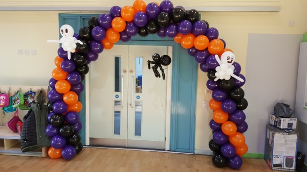 Halloween Balloon Arch!!