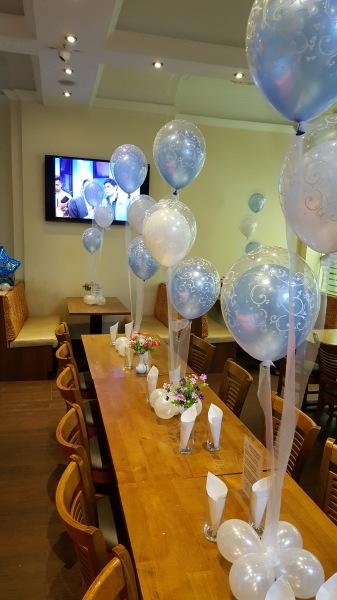 Balloon centrepieces with organza ribbon!!!