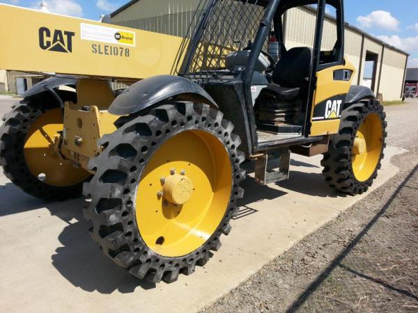Telescopic Tele JCB CAT Handler Solid Tyre