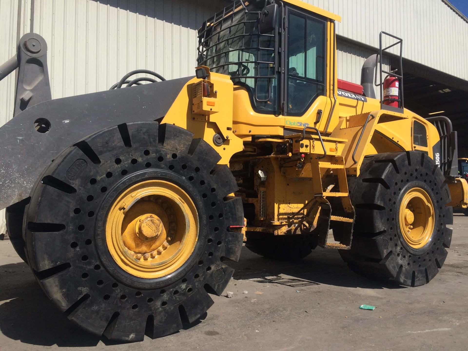 Aggressive Tread Solid Tyre Press On