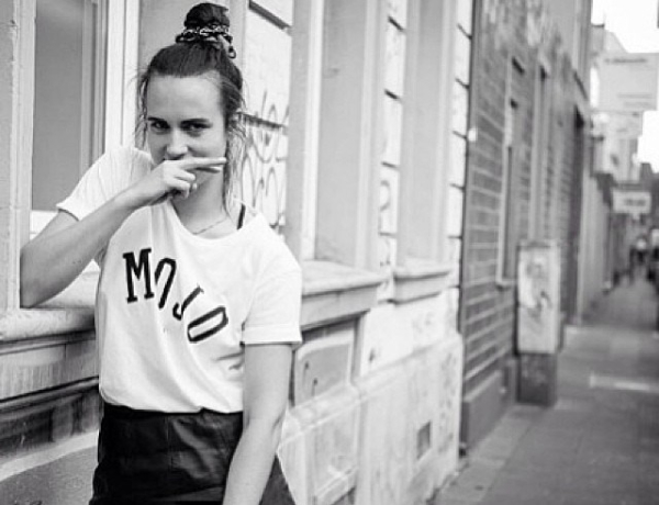 MØ - 'Walk This Way'