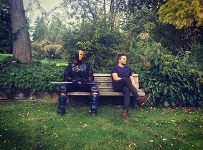 Stephen Amell Teases the Return of Deathstroke for Season 5 of Arrow!