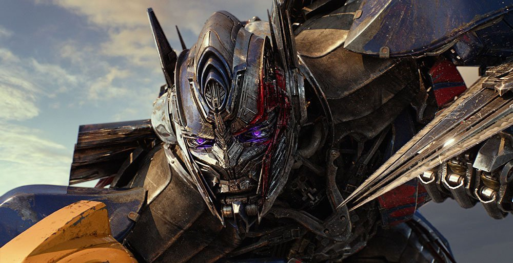 "The Final Trailer for ""TRANSFORMERS: THE LAST KNIGHT"" Debuts"