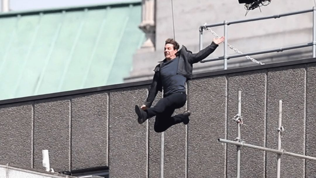 "Tom Cruise Gets Injured Filming a Scene for ""Mission: Impossible 6"""