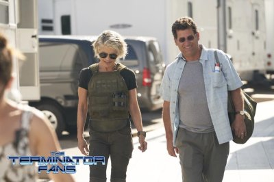 TERMINATOR: On Set Pics of Linda Hamilton Suited Up for Battle Debut Online for the Upcoming Film