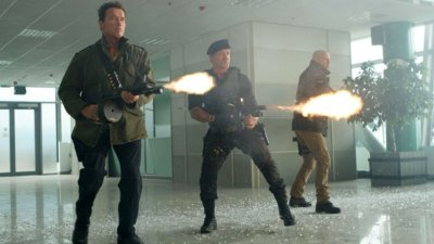 THE ACTION FIX: Legends Unite in the Climatic Firefight from THE EXPENDABLES 2!