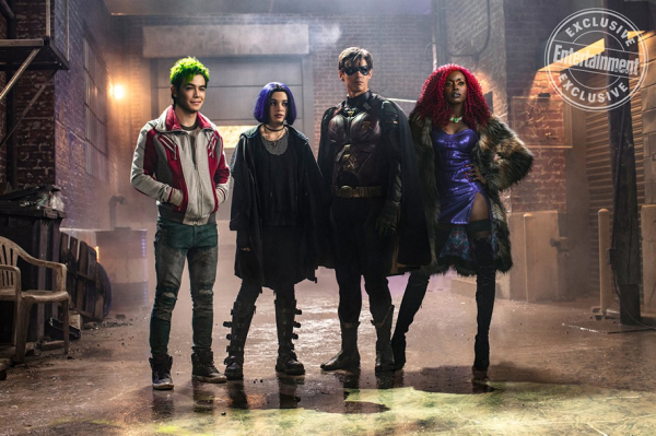 Young Heroes Assemble in a New Official Image for DC UNIVERSE'S TITANS!