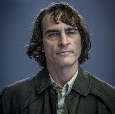 Director Todd Phillips Gives Us Our First Look at Joaquin Phoenix as Arthur in JOKER