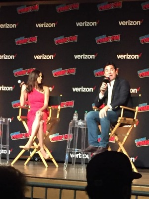 NYCC 2018: Dean Cain and Teri Hatcher Reunite to Celebrate LOIS AND CLARK- Exclusive Pics!