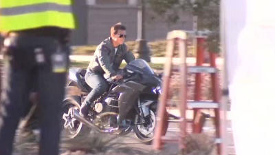 New Set Images Show off Tom Cruise Riding His Motorcycle Once More in TOP GUN: MAVERICK