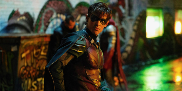 REVIEW: DC UNIVERSE'S TITANS PILOT EPISODE Kicks the Series Off with a Bang!