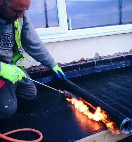 using torch on felt on a bay roof using a mineral finish felt