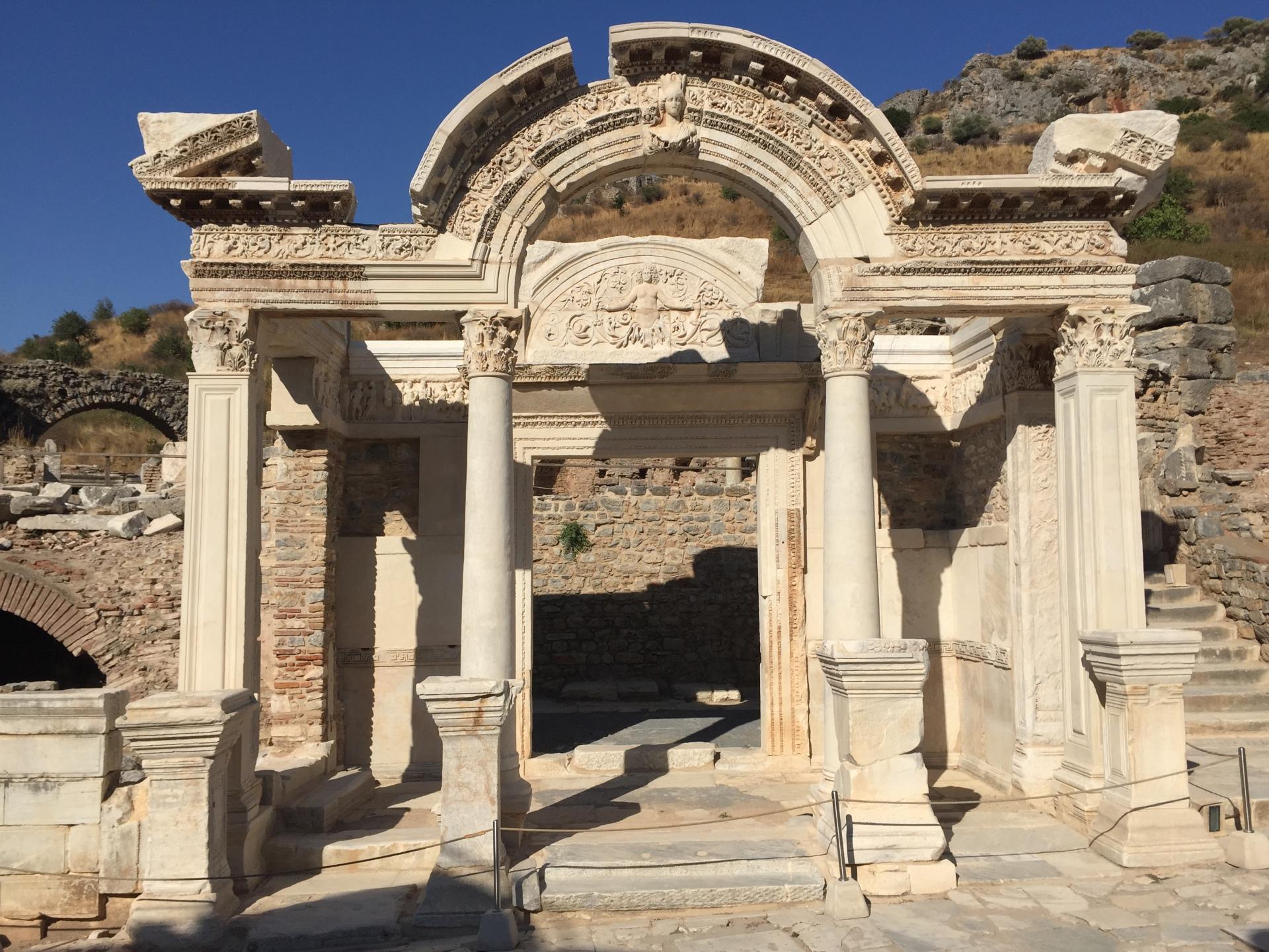 Medusa, Hadrian Temple, Curetes Street