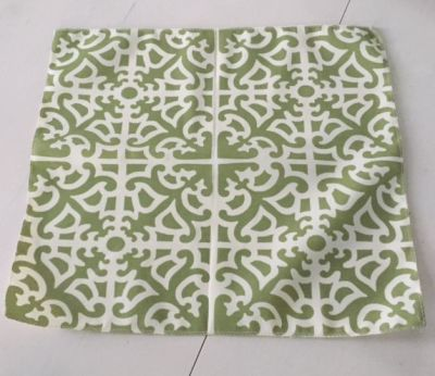 "Ornate Lattice 18"" Mini Table Topper - Fern Green"