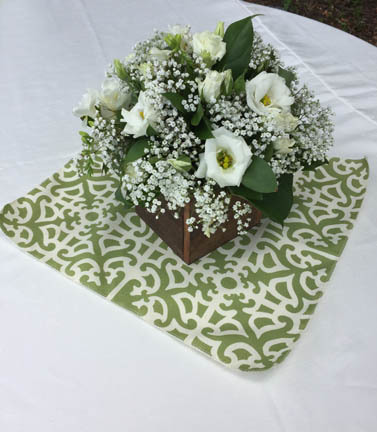 green mini table topper