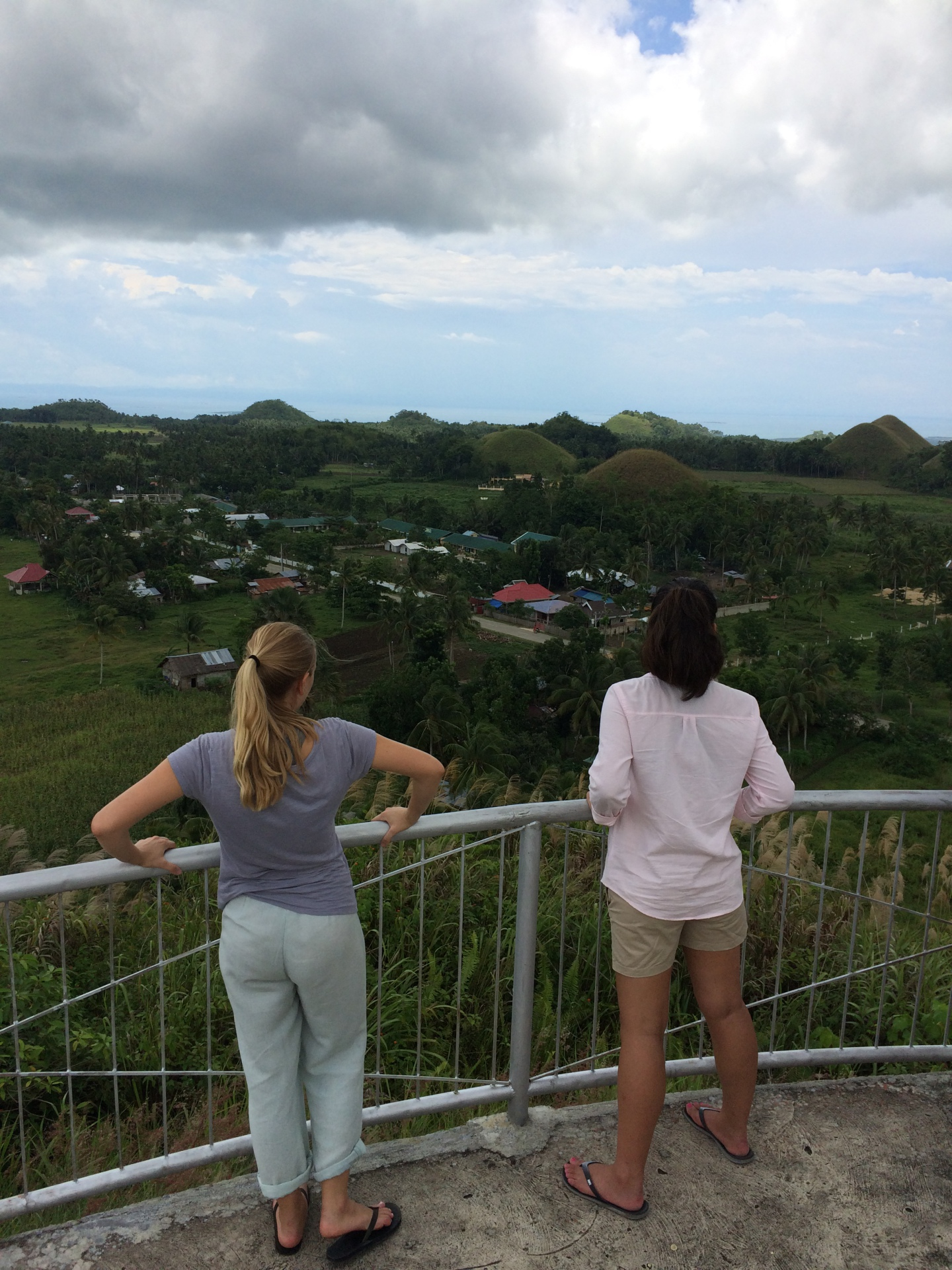Pasanan and the Chocolate Hills