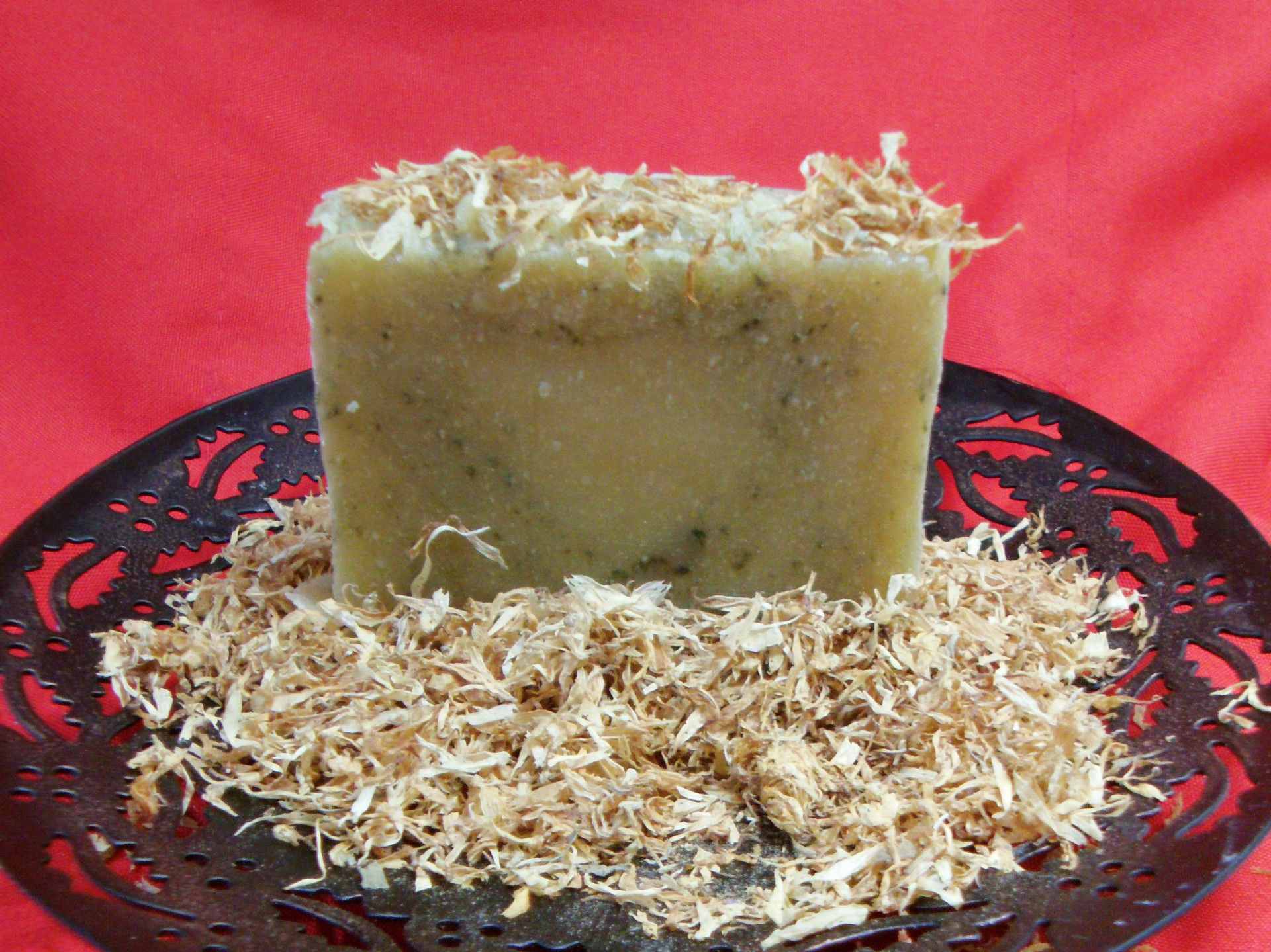 Vegan Aloe Calendula Soap, spirulina powder, Organic Calendula flowers, revitalizes skin, quenches the thrist of moisture-starved skin.