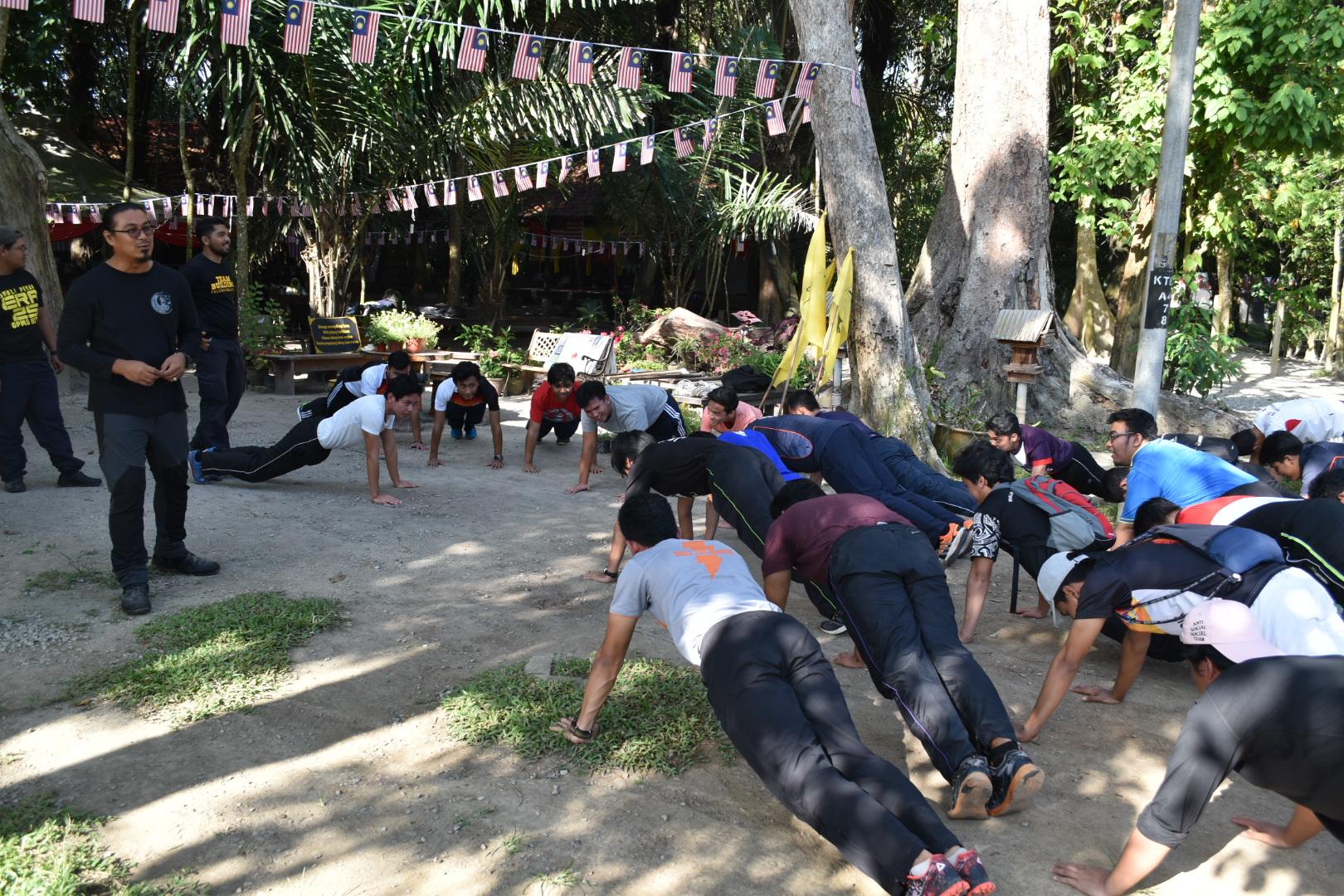 Pendakian ke Puncak Jaya