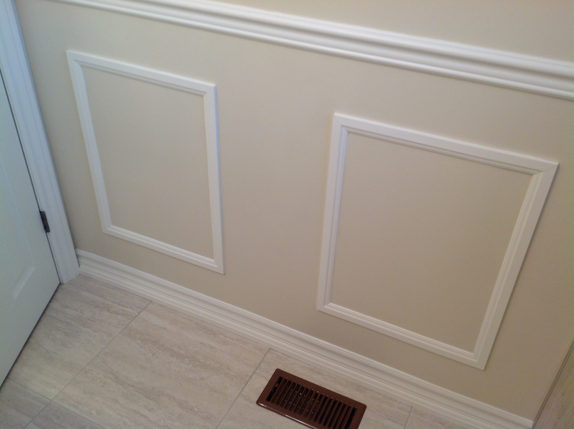 Square Wainscoting edged with wall paint