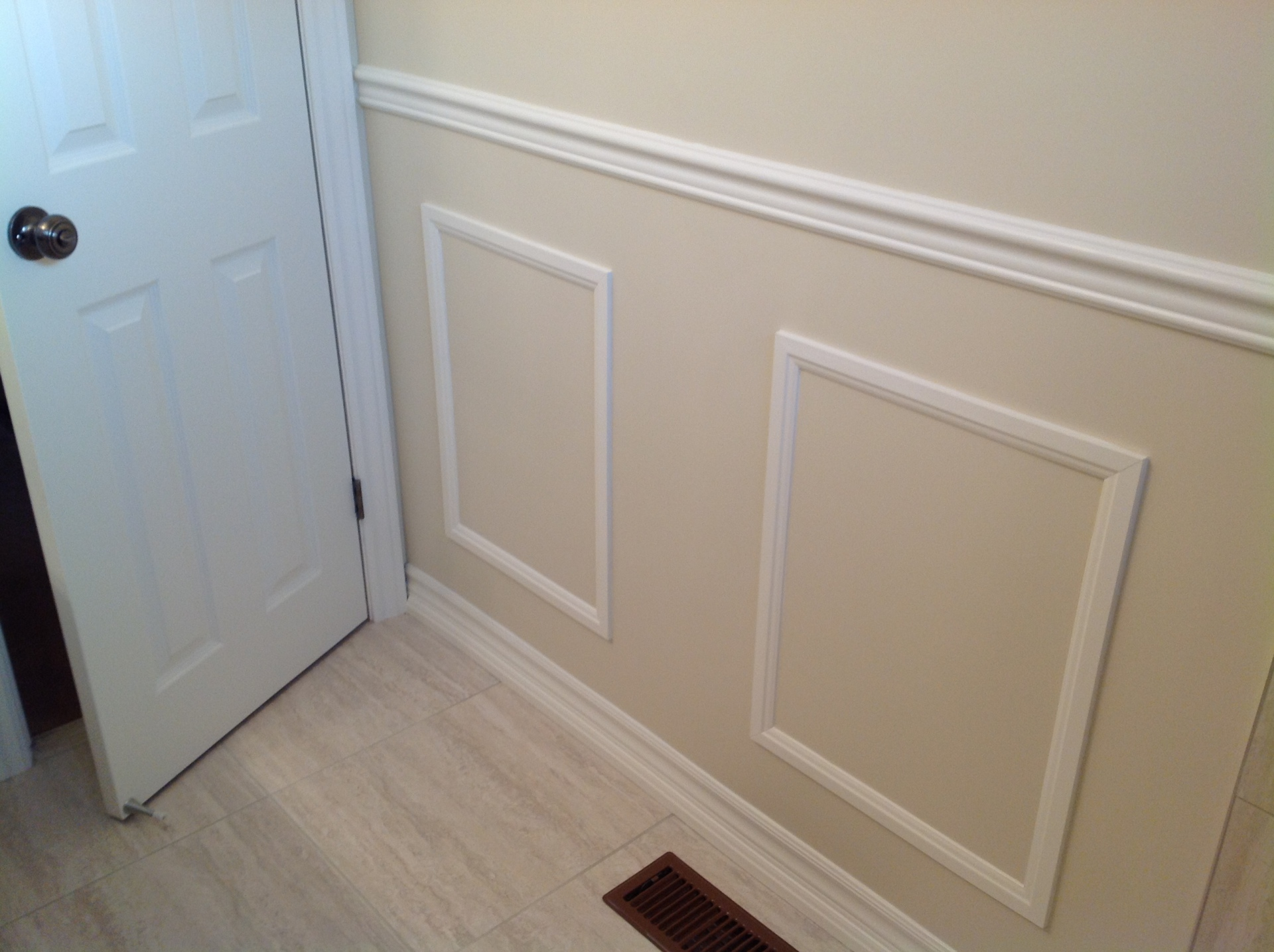 Square wainscoting
