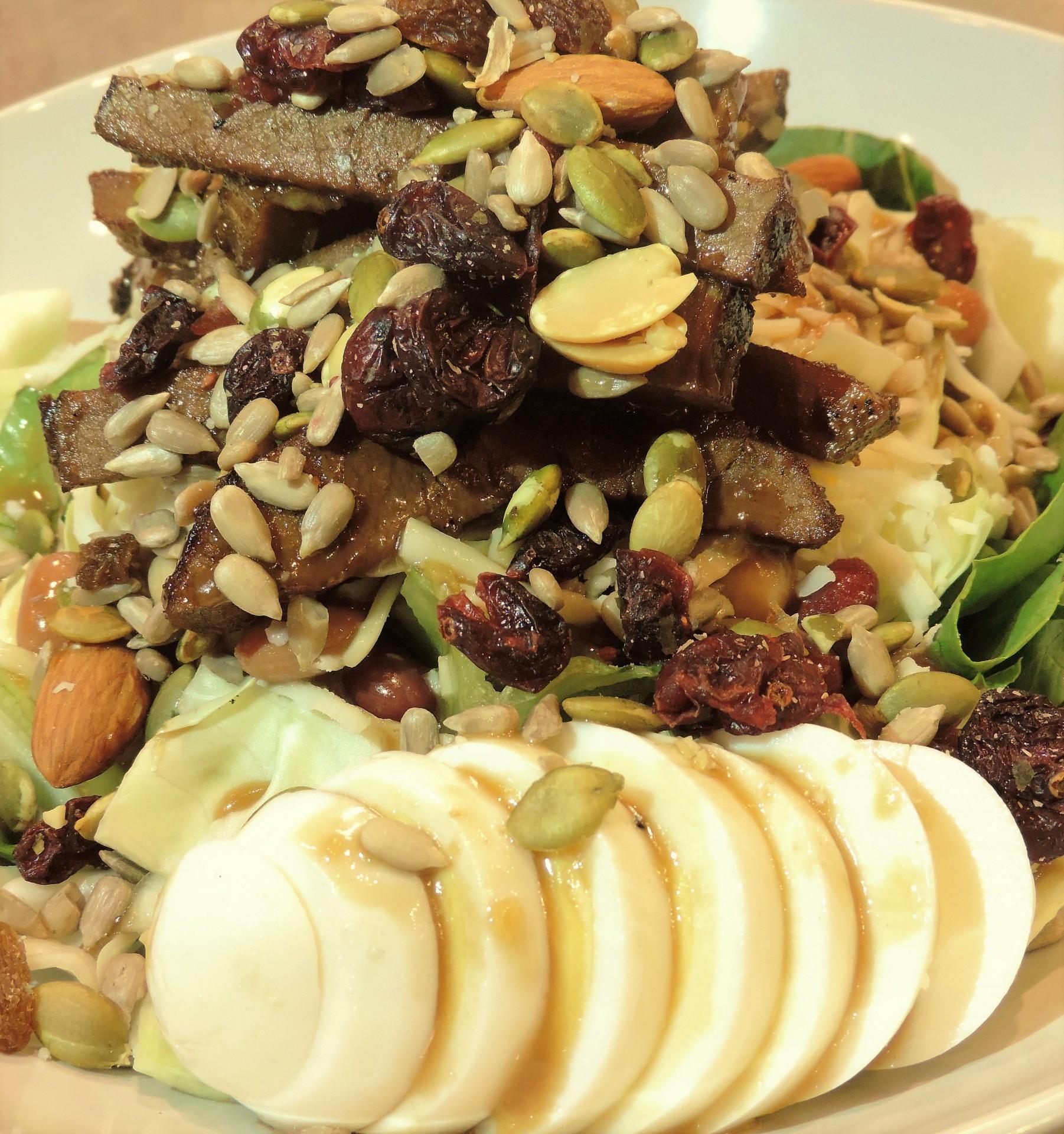 Greens & Proteins Steak (Salad)