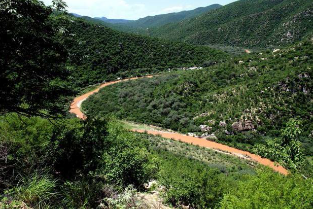 Colorado and Mexico Mine Spills Compared