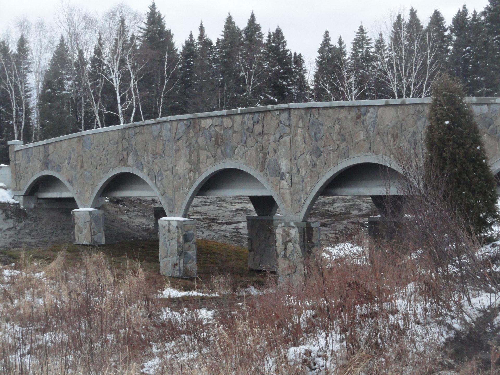 Ingénierie détaillée - Pont architectural préfabriqué