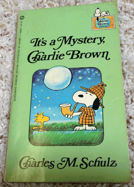 1975, Signet, Random House, Snoopy, Charlie Brown, Charles Schultz, It's a Mystery, Charlie Brown, Scholastic Starline Edition, Scholastic Book Services,