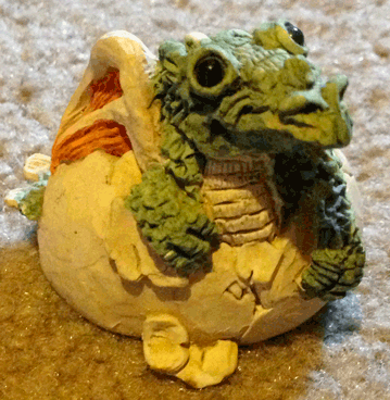 Dragons, Baby dragon, Hatching dragon, dragon egg, hatching dragon egg, figurine, decoration,