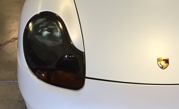 Porsche 911 headlight tint in dark smoke