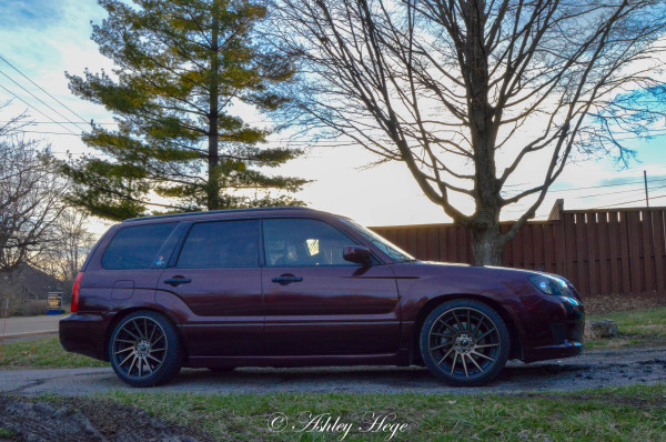 Subaru Forester full wrap in Black Rose