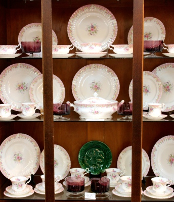 Royal Albert 56pce 'Serenity' Dinner Set circa 1960