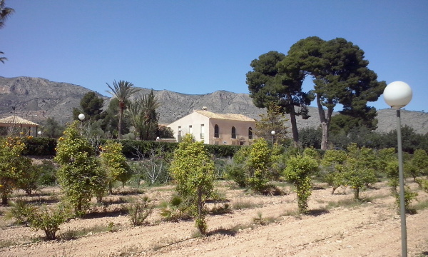 Beautiful finca in 100.000m2 of Land