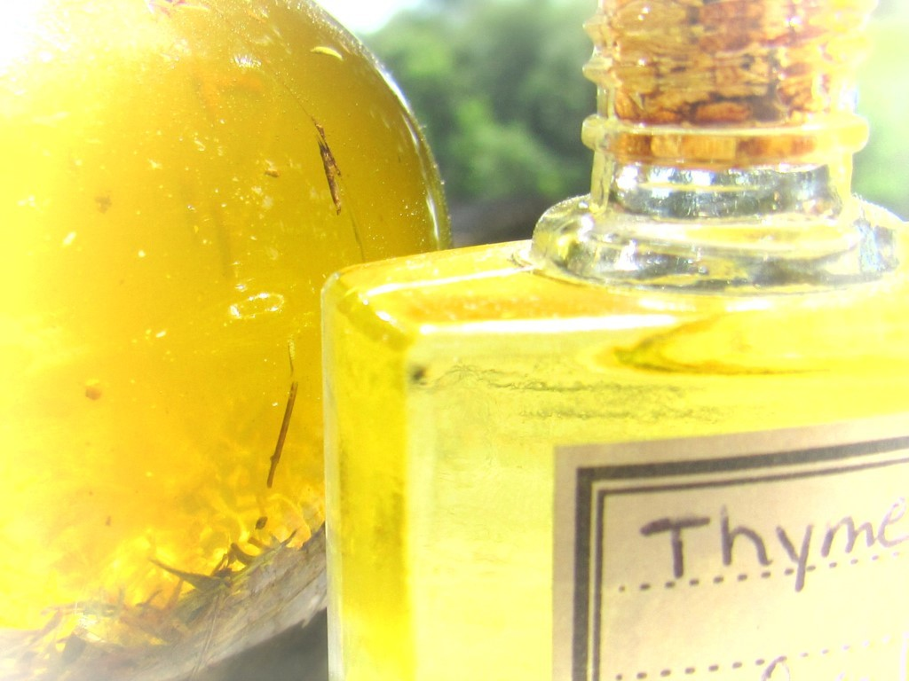 Thyme Sunflower and Aloe Ultra Hydrating Blemish Serum