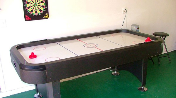 Emerald Villa in Florida air hockey