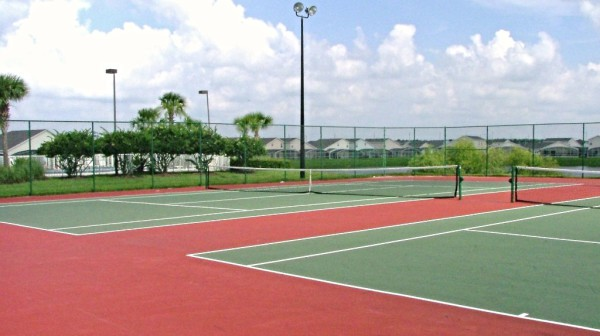 Hampton Lakes tennis courts