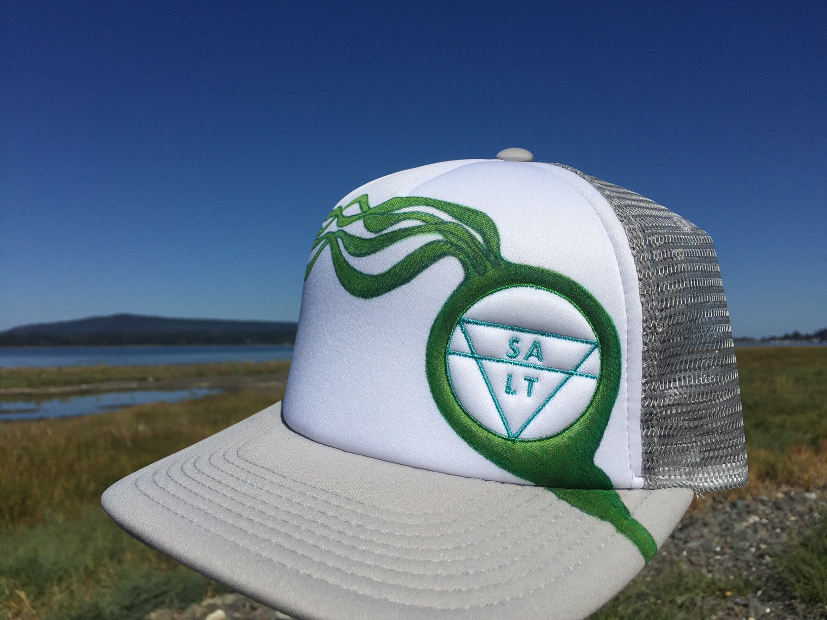 "CUSTOM ""Bull Kelp"" on Grey Hat"