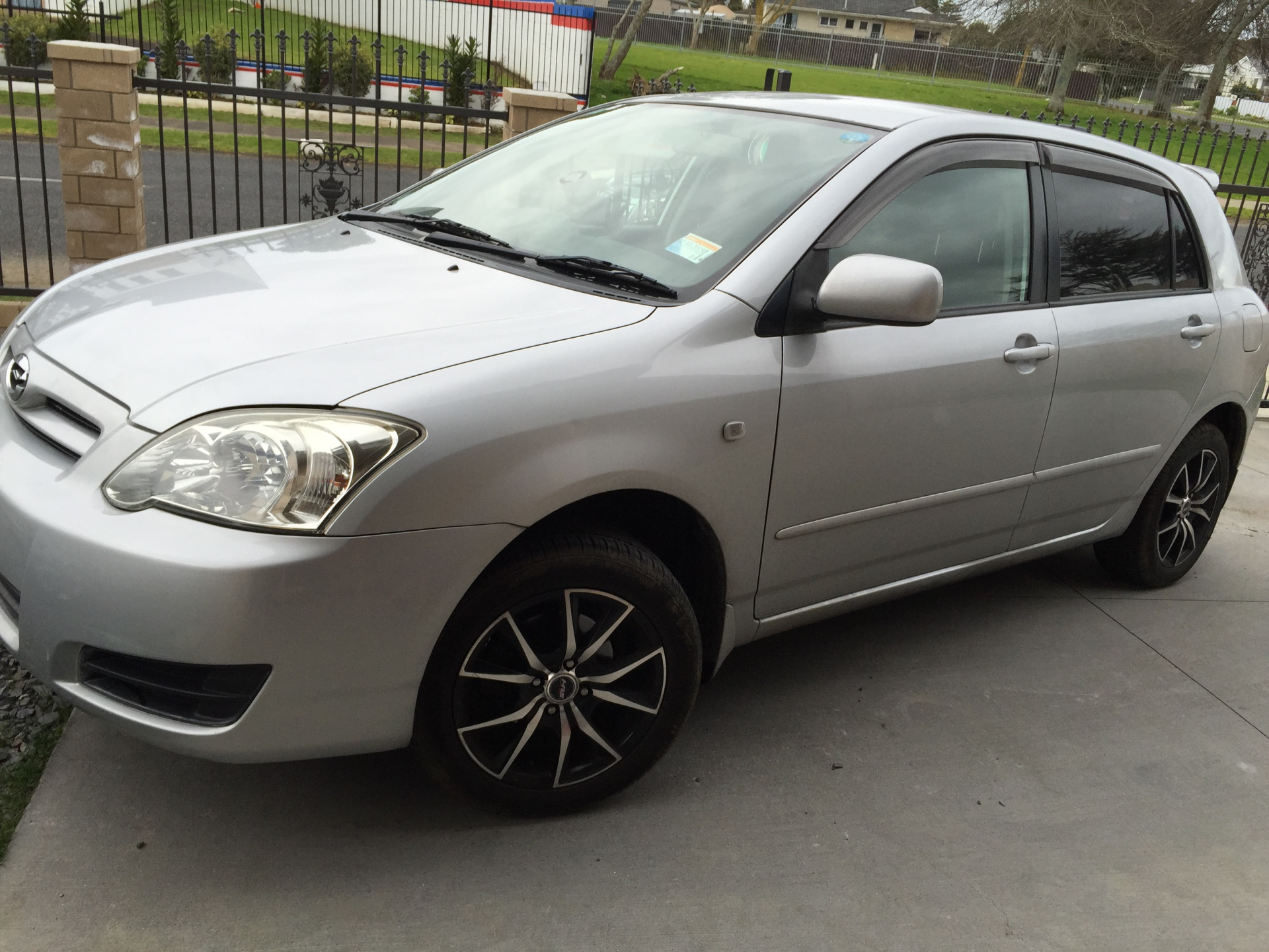 2005 Toyota Runx $6,800