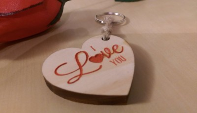 Wooden keyring heart - I Love You. Liverpool Pallet Designs personalised gifts.